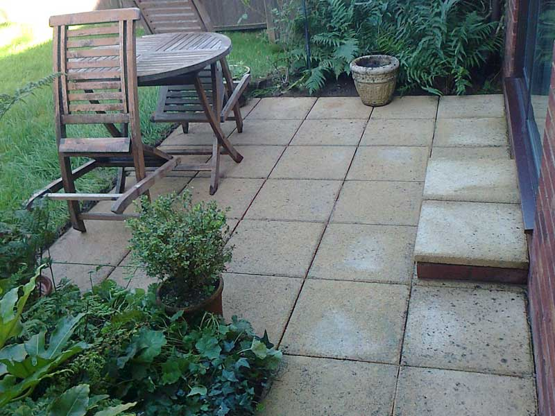 cleaning-patio