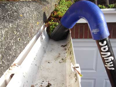 gutter-cleaning-skyvac