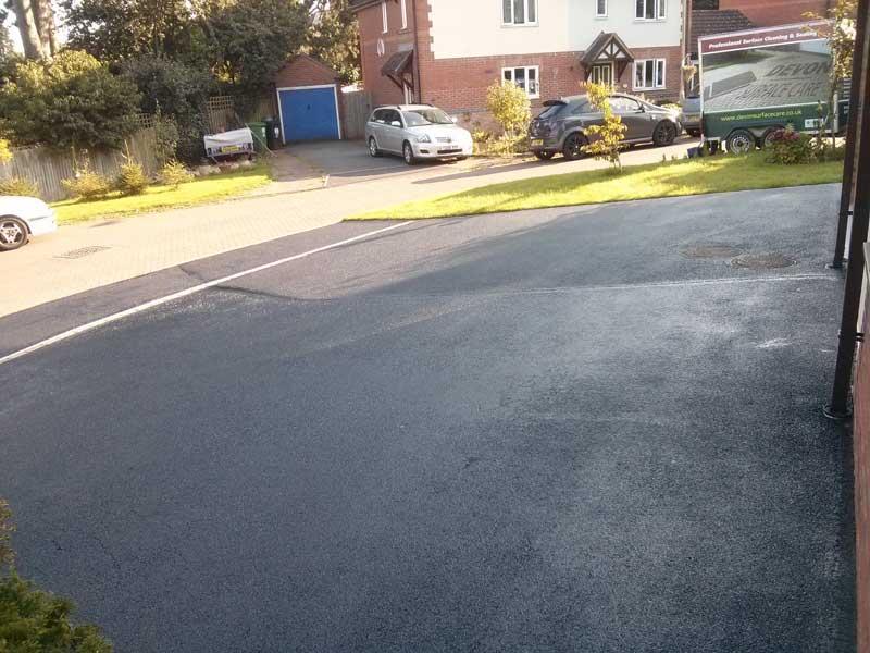 Tarmac-asphalt-driveway-repairs
